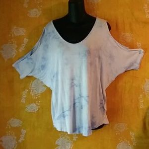 acemi. Size Medium cold shoulder tye-dye tee-shirt